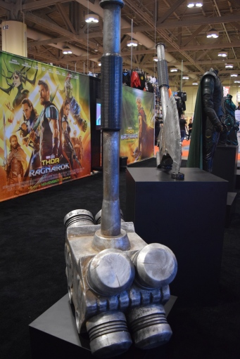 Thor Ragnarok at Fan Expo - Hulk's Hammer and Axe (2)