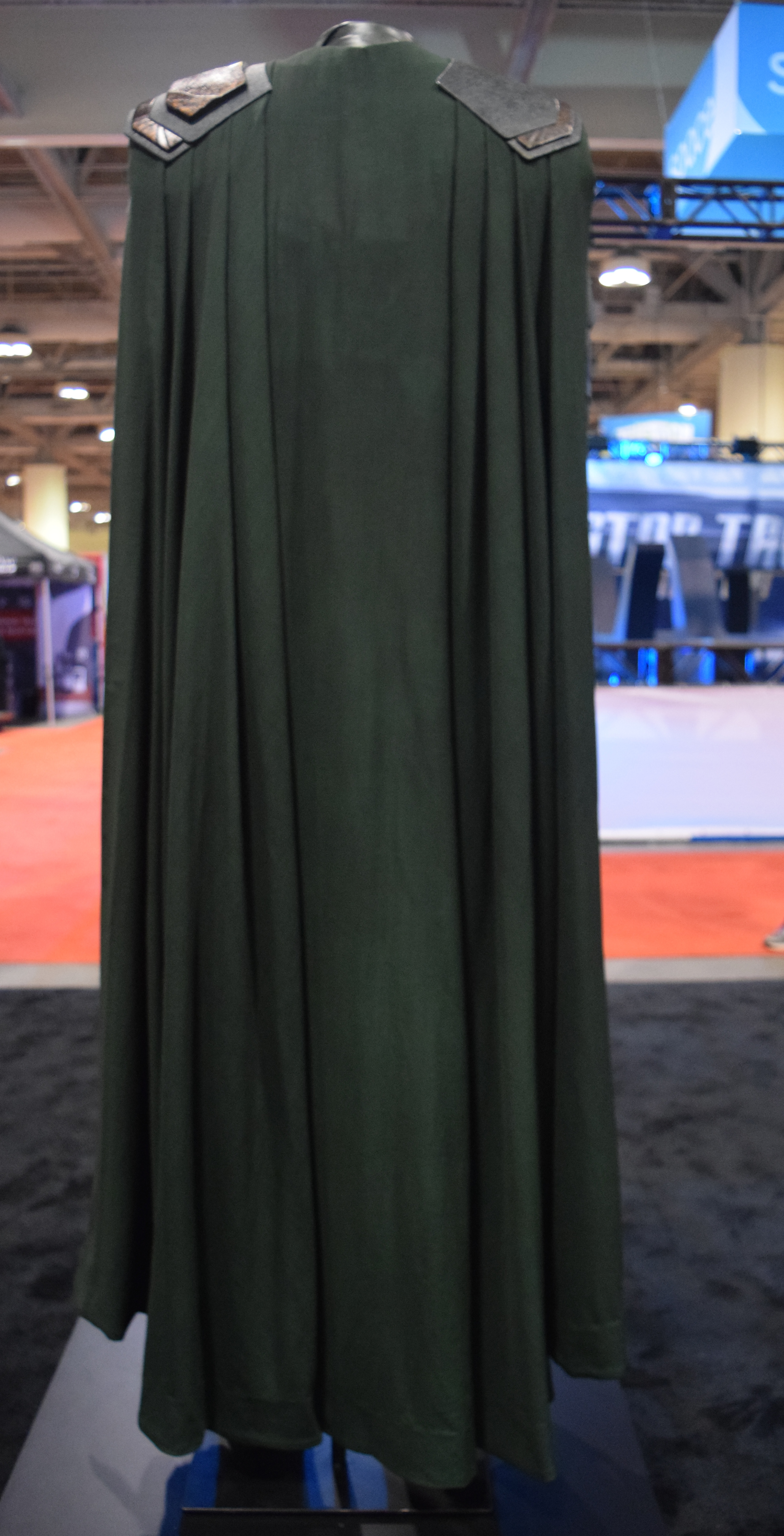 Thor Ragnarok at Fan Expo – Loki Costume (2) | One Movie ...