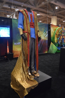 Thor Ragnarok at Fan Expo - The Grandmaster Costume (1)
