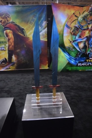 Thor Ragnarok at Fan Expo - Thor's Swords (1)