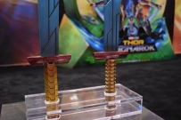 Thor Ragnarok at Fan Expo - Thor's Swords (2)
